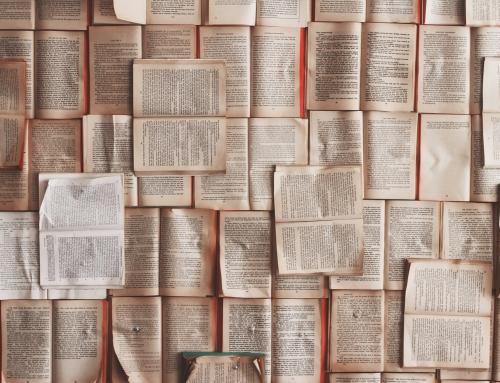 8 libros para comenzar tu viaje por el Tarot